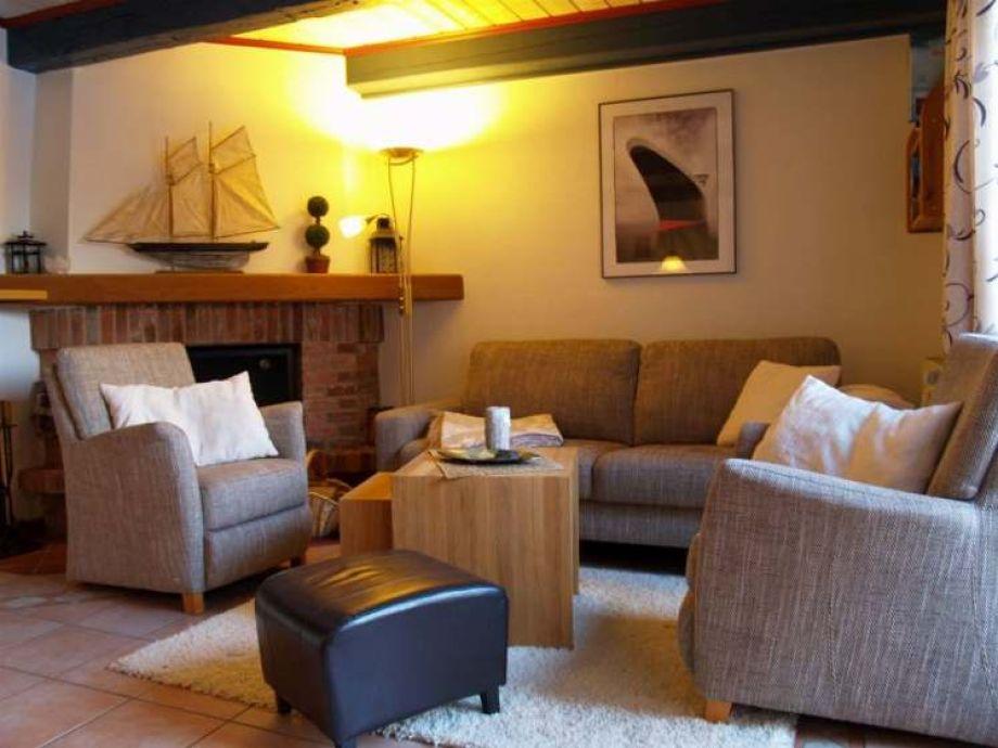Sitzgarnitur Wohnzimmer Modern ~ Ideen Für Die Innenarchitektur