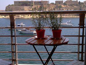 Ferienwohnung mit Blick über den historischen Hafen