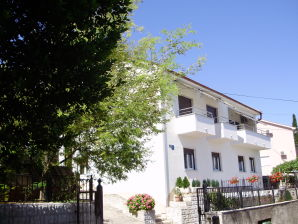 Holiday apartment Sanja - big apartment in private house with garden