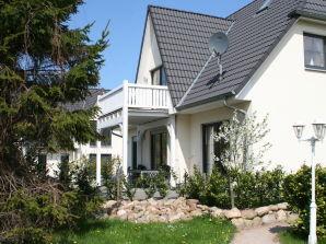 Ferienwohnung ANNA HUUS, Erdgeschoss-Wohnung mit kleinem Garten