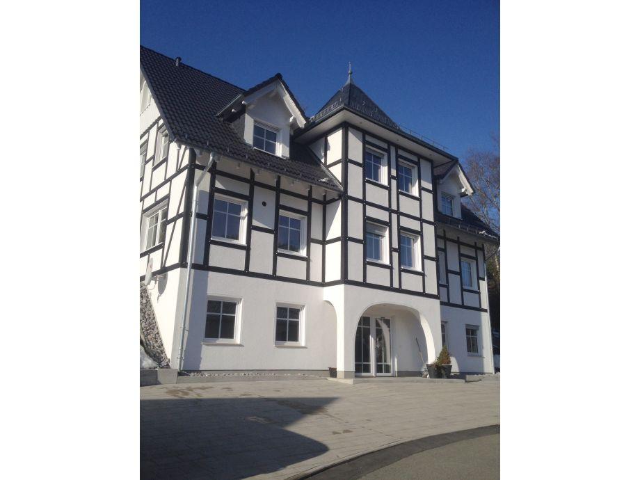 frontansicht kleine villa - Villa Sauerland