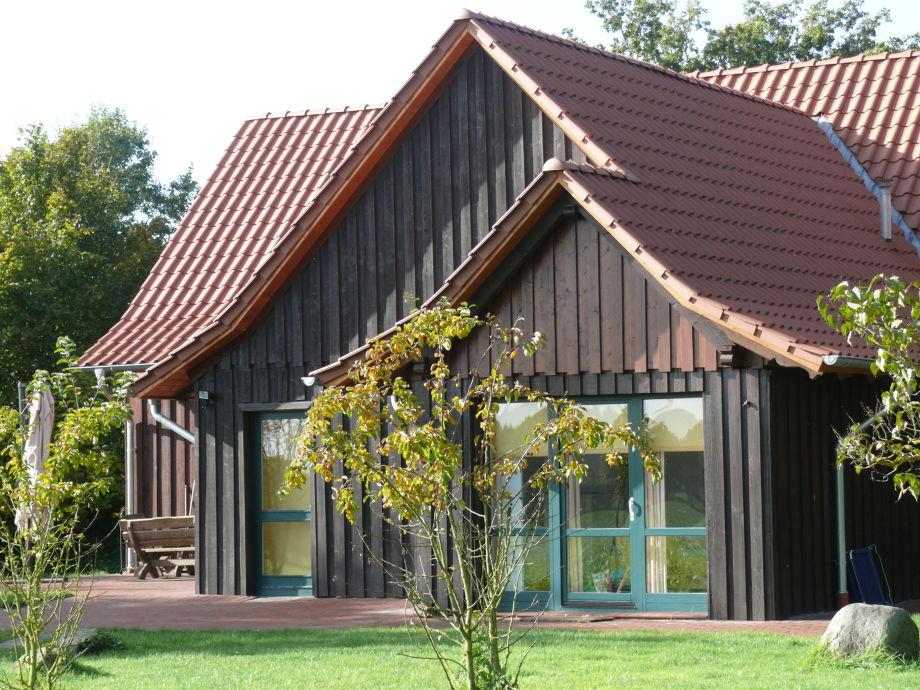 Ferienhaus in Einzellage mit großem Garten