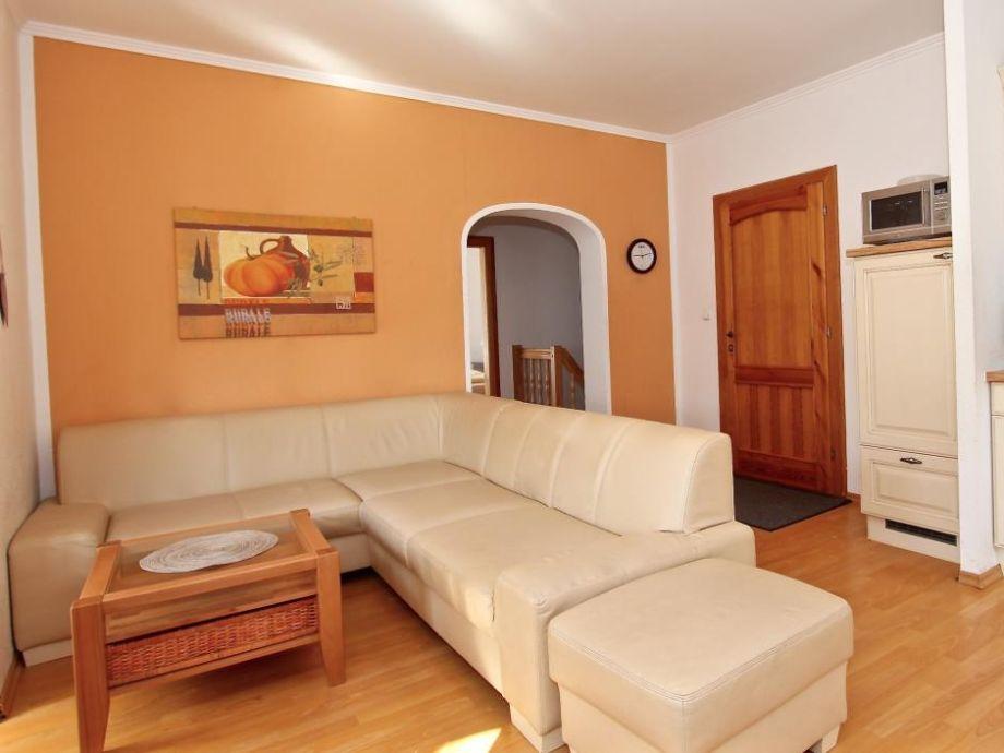 Offene Küche mit geräumigem Wohnzimmer