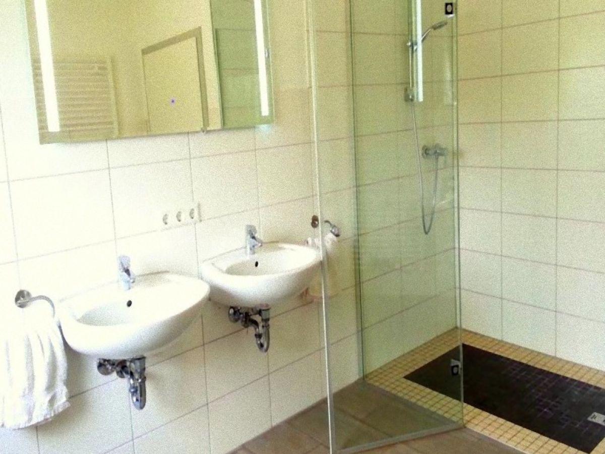 ferienwohnung hess g nzburg frau ines hess. Black Bedroom Furniture Sets. Home Design Ideas