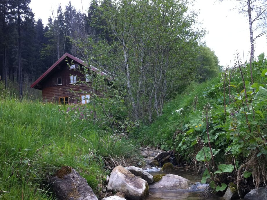 Außenaufnahme Hütte am Bächle