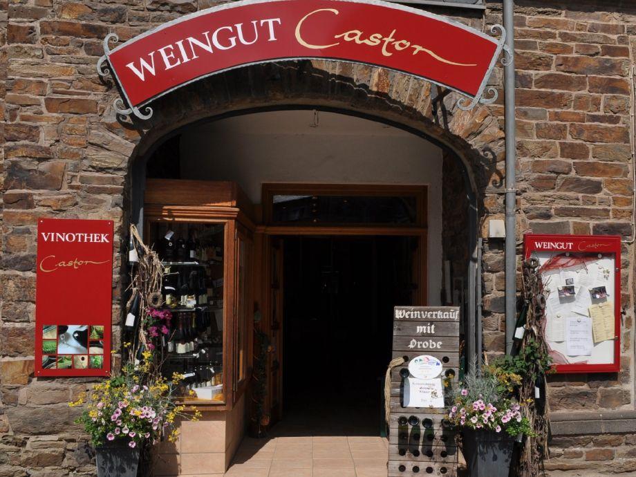 Eingang zum Weingut