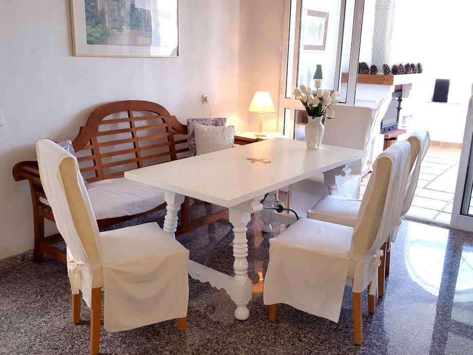 sehr schöner Essbereich zwischen Küche und Wohnzimmer