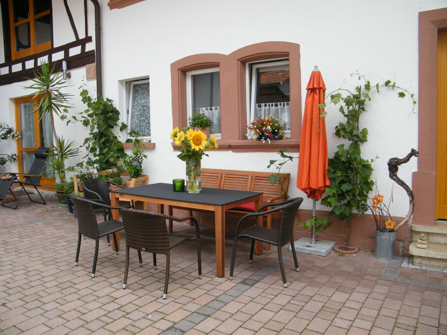 Entspannen und Plaudern im Winzerhof