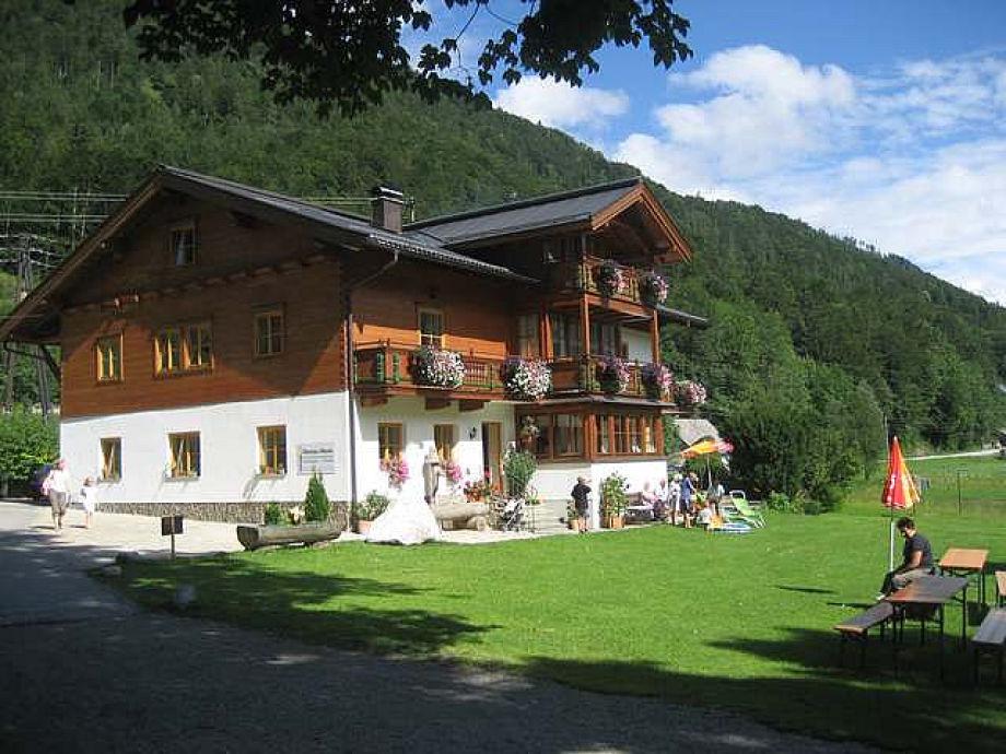 Haus Hirschpoint in the summer