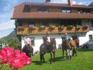 Ferienwohnung auf dem Bauernhof, Familie Bliem Julia