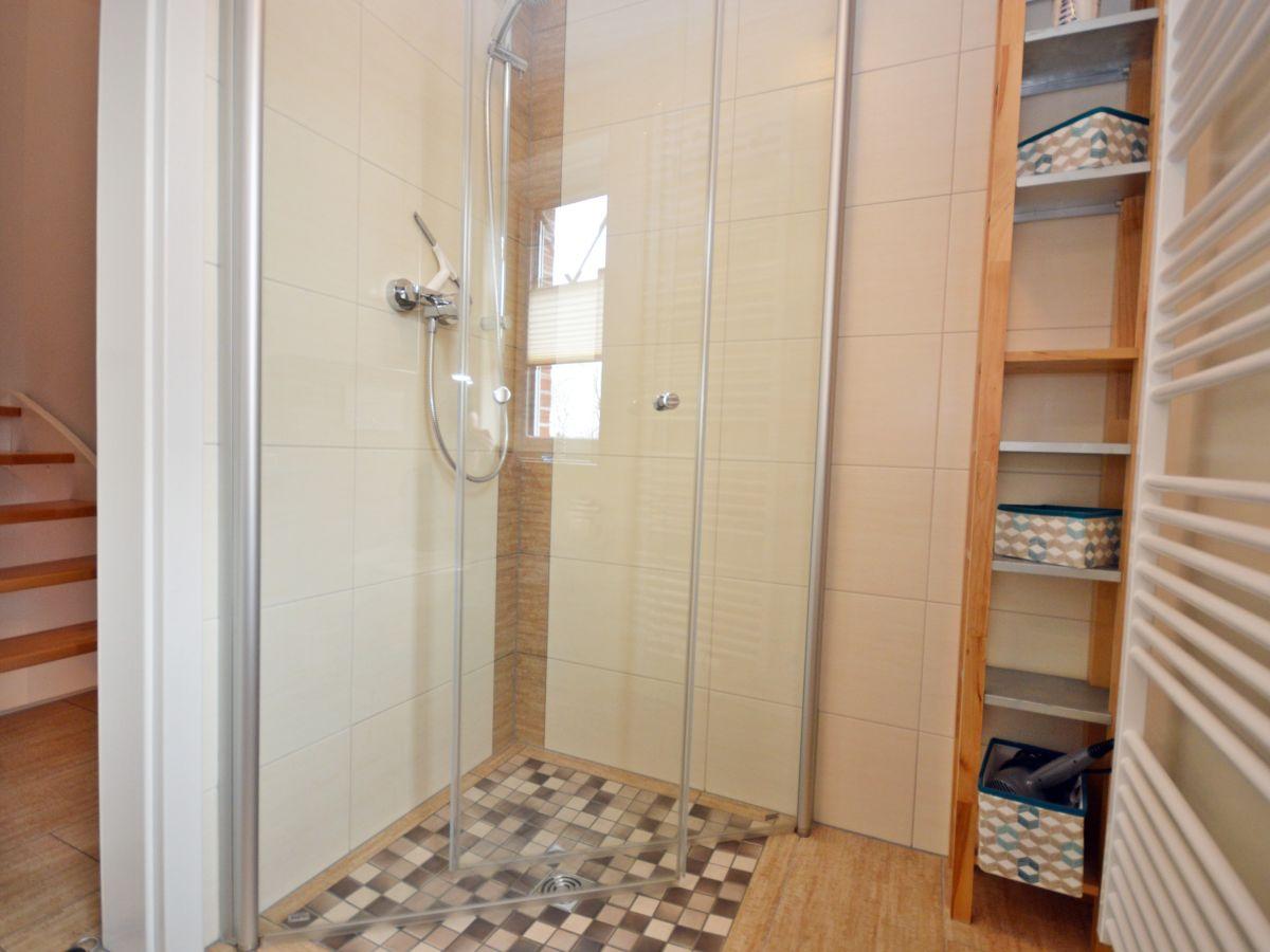ebenerdige dusche dachgeschoss. Black Bedroom Furniture Sets. Home Design Ideas