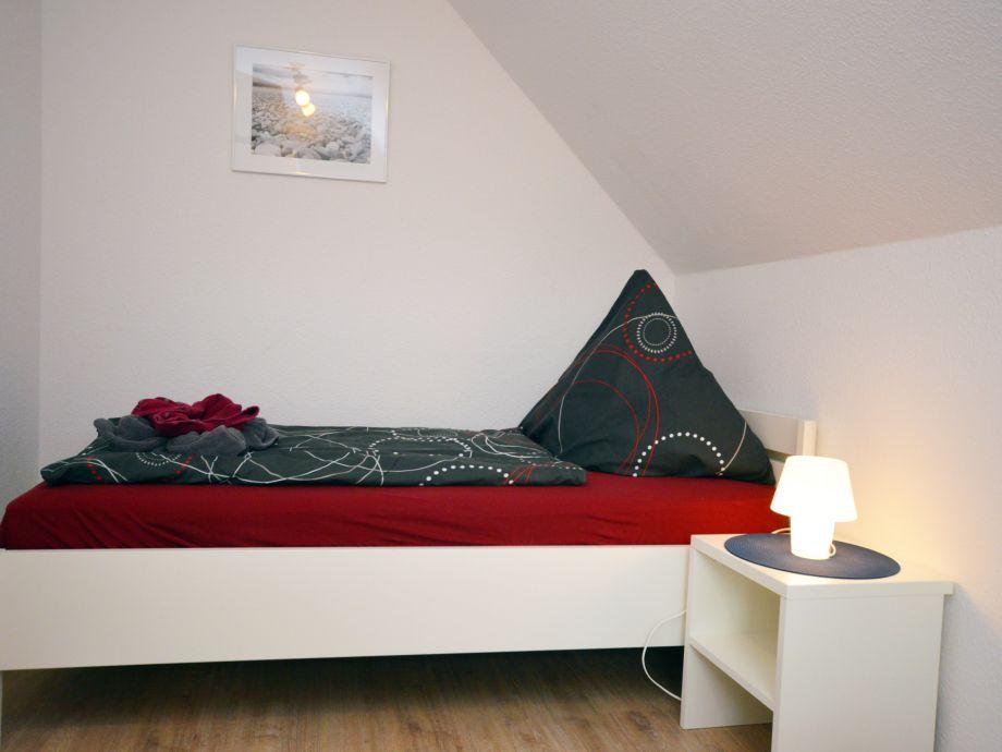 zweite Schlafzimmer mit 2 Einzelbetten