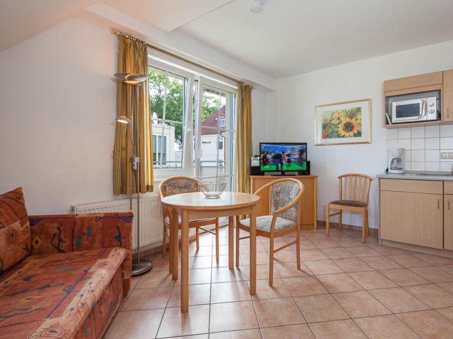 Wohn- Essbereich mit Blick zur Küche