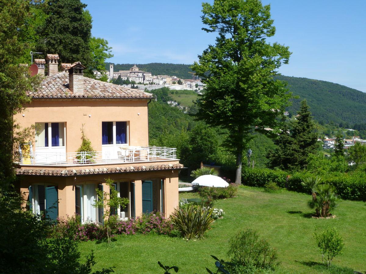 Ferienwohnung in der Villa San Giovanni, Arcevia, Frau Ute Hoffmann