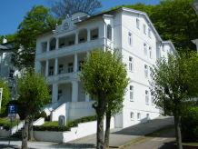Villa Celia Sellin Ferienwohnung 2 strandnah