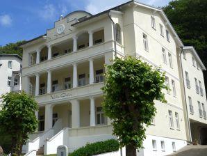 Villa Celia Sellin Ferienwohnung 3 strandnah