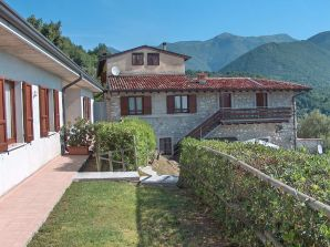 Holiday apartment Trilocale - Agriturismo Turelli on Garda Lake