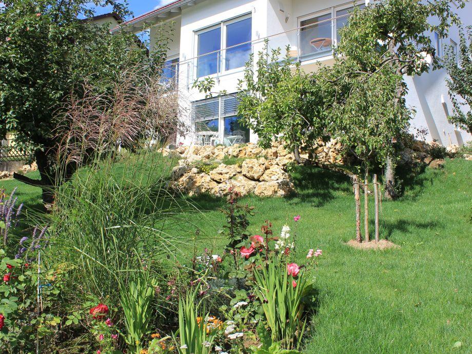 Blick aus dem Garten auf Haus Kallenberg