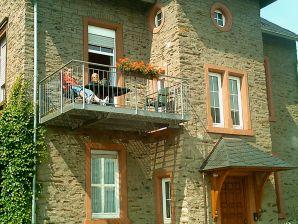 Ferienwohnung mit Balkon Weingut Mathy-Schanz