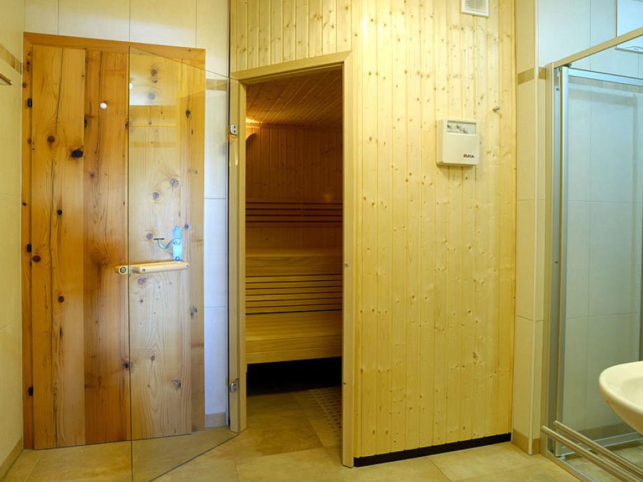 skih tte chalet lang in hochkrimml f r 12 personen. Black Bedroom Furniture Sets. Home Design Ideas