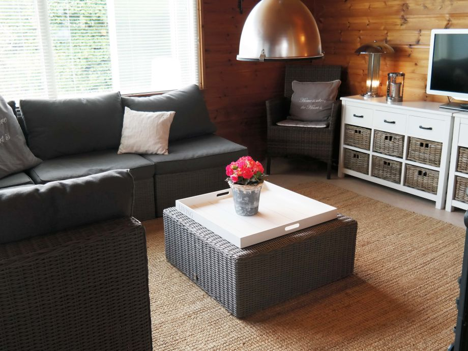 Bungalow 34 in anlage eureka nord holland sint maartenszee firma great vakantiehuizen frau - Fernseher wohnzimmer ...