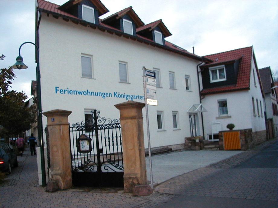 Außenaufnahme Königsgarten Deidesheim
