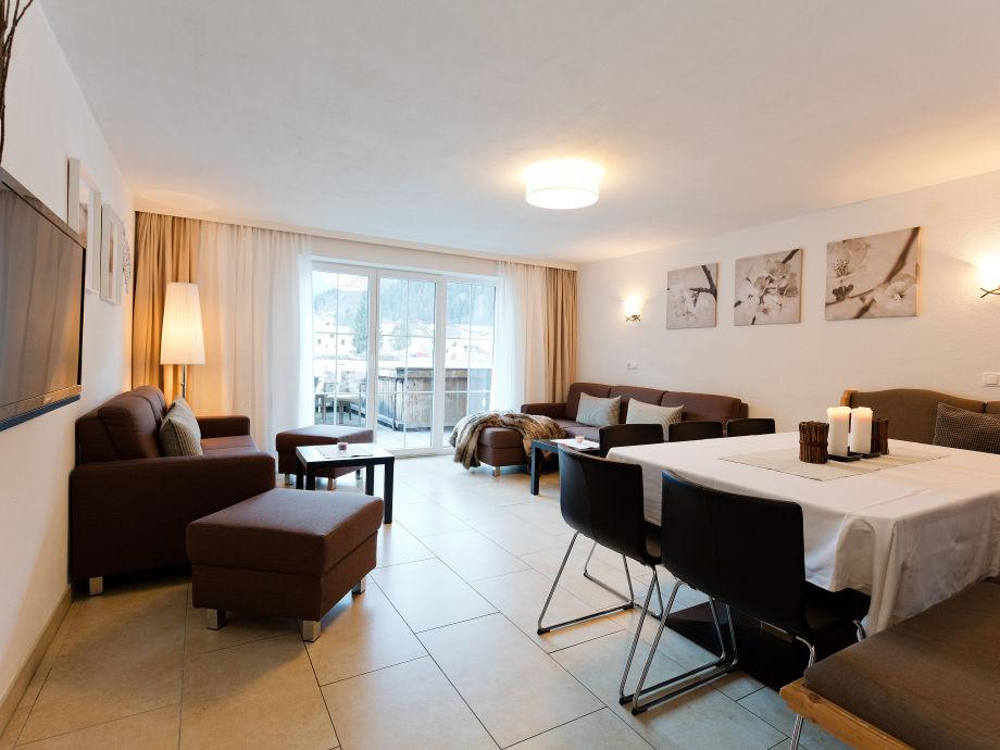 Wohn- und Esszimmer in unserem Familienap. mit  130 m2