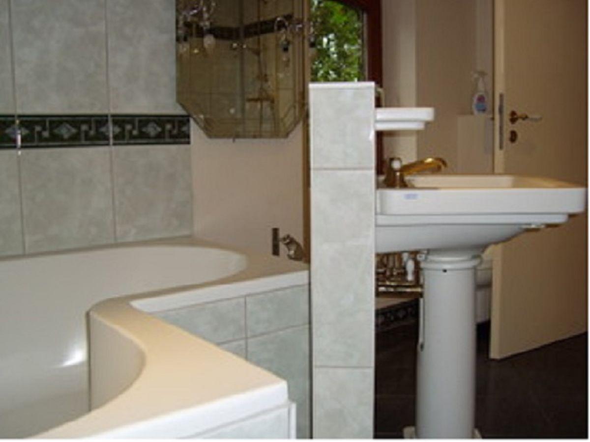 ferienwohnung nr 4 im kornspeicher auf dem helenenhof. Black Bedroom Furniture Sets. Home Design Ideas