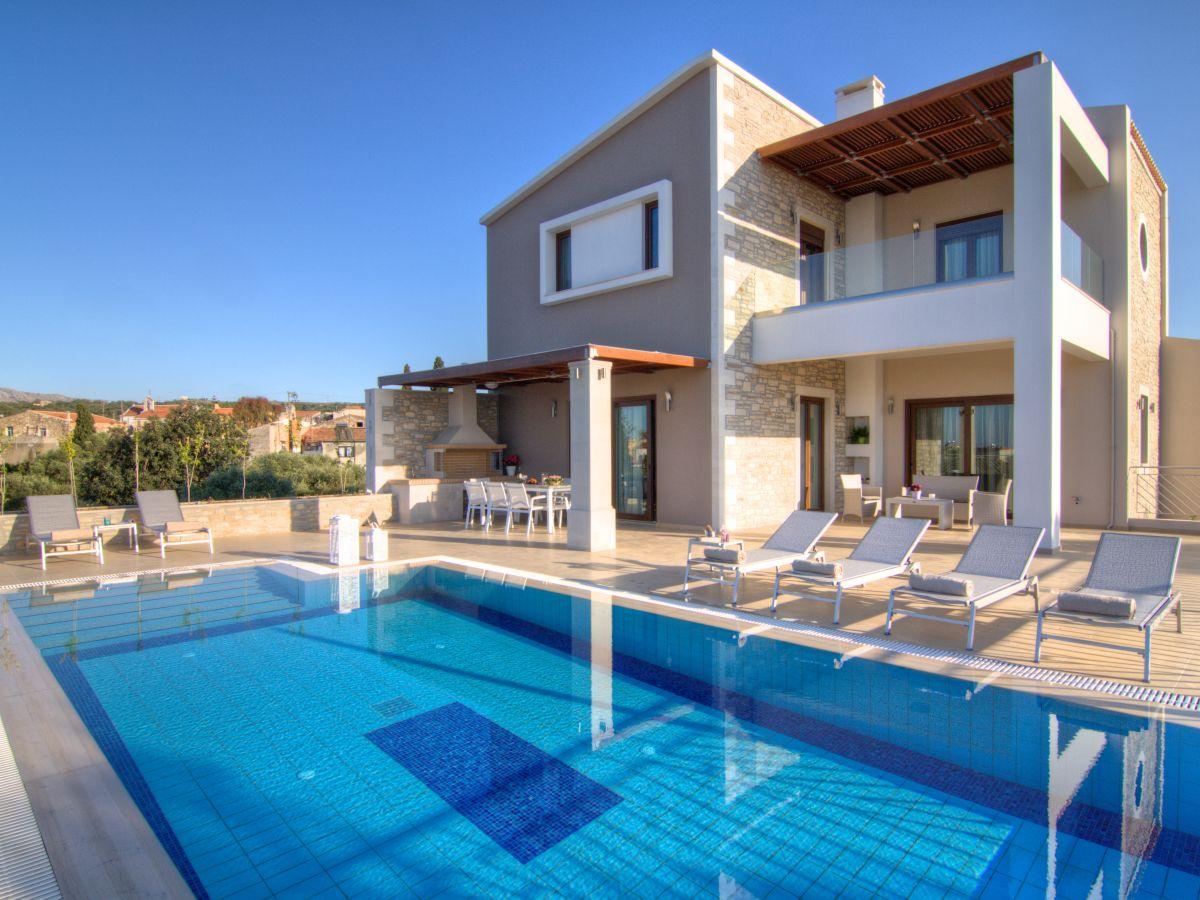 Villa Olia, Crete - Ms. Helga Kirmaier