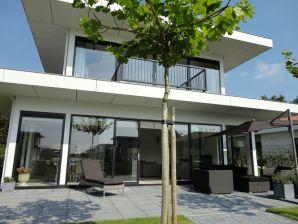 Villa Wasser 472
