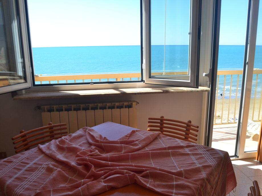 """Außenaufnahme """"Gabbiano"""" am Meer"""