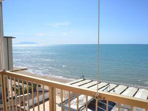 """Holiday apartment """"Gabbiano"""" in front of the sea"""