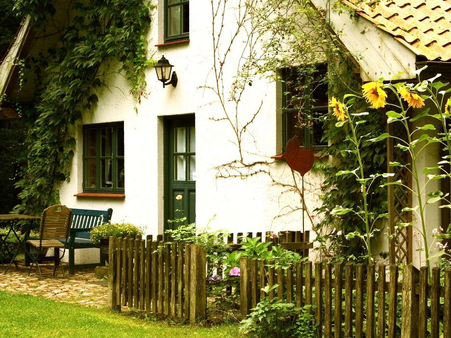 """FeWo """"Bauerngarten"""" mit Terrasse"""