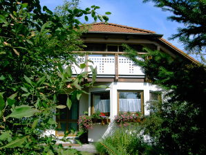 Holiday apartment House Bross