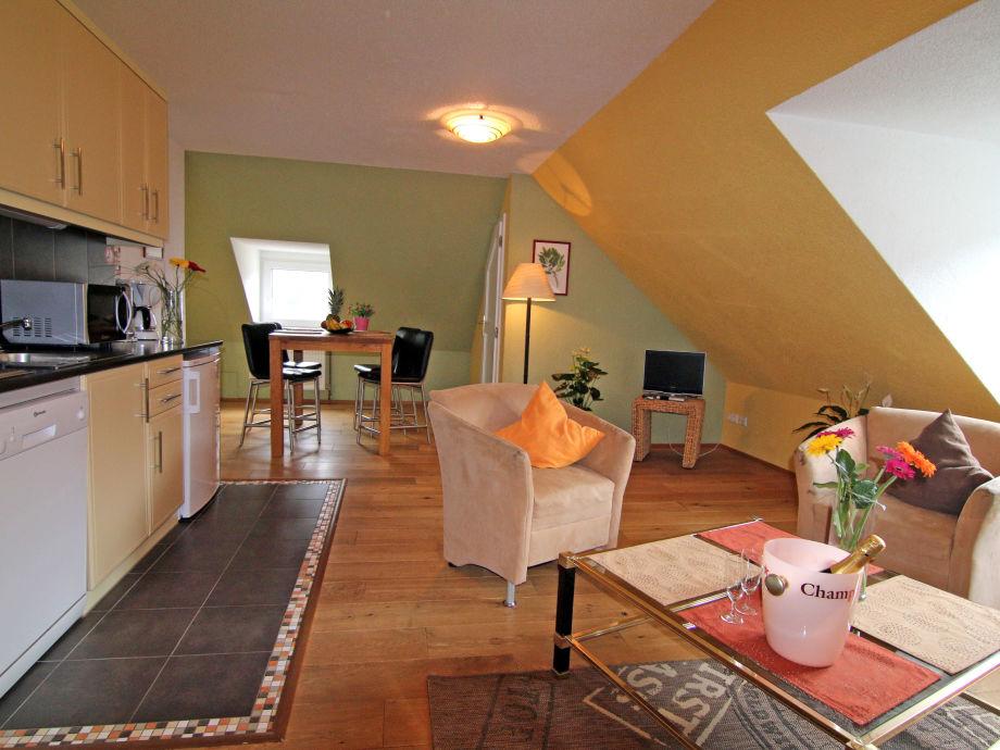 ferienwohnung alte weinbauschule cochem wohnung riesling. Black Bedroom Furniture Sets. Home Design Ideas