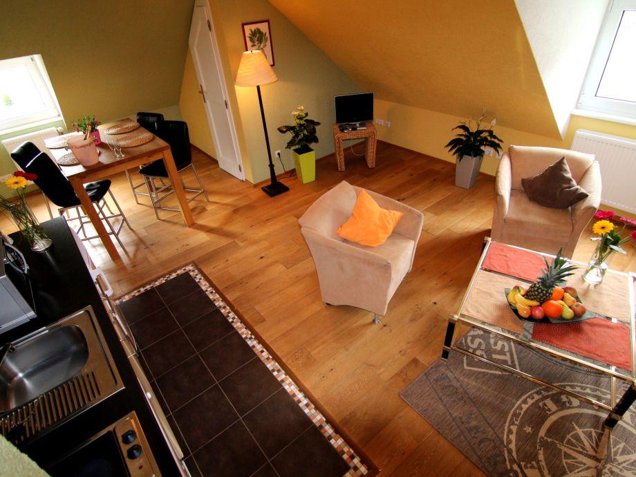 Gesamtblick Wohnzimmer