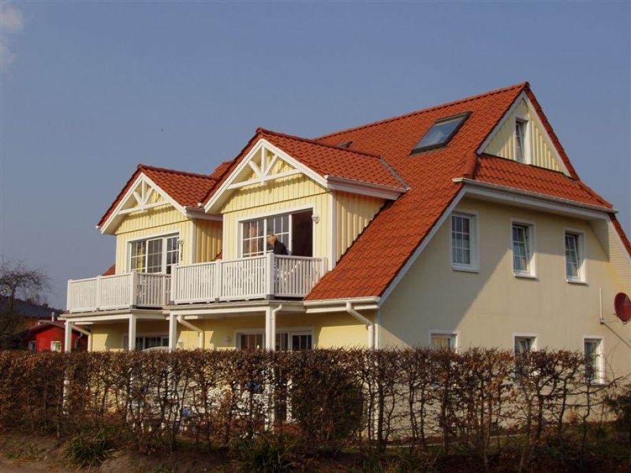 Dat gele Hus - Westansicht Balkon und Terrasse