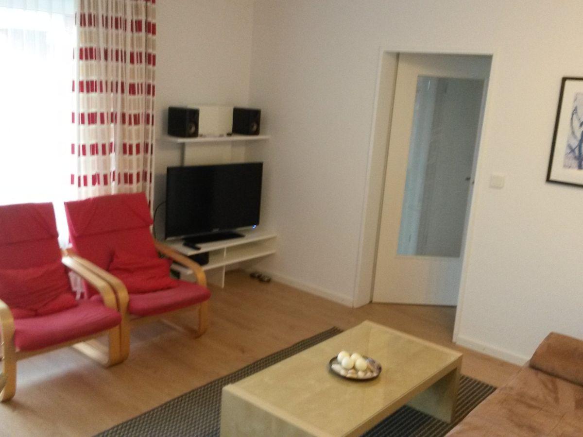 ferienwohnung 3 zimmer mit balkon zum wohlf hlen borkum firma richthofenstr 18 e wohnung 47. Black Bedroom Furniture Sets. Home Design Ideas
