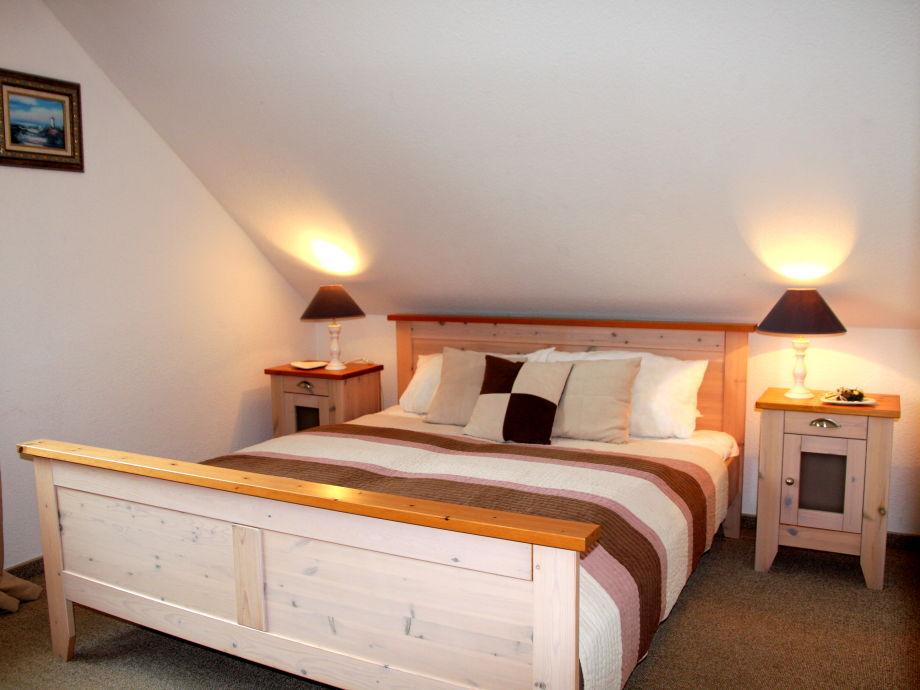 """1. Schlafzimmer mit Doppelbett Whg. """"BLUE"""""""