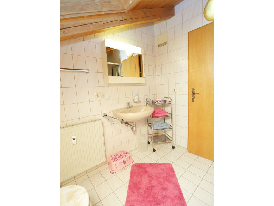 ferienwohnung 3 haus oberland chiemgau chiemsee voralpenland firma haus oberland. Black Bedroom Furniture Sets. Home Design Ideas
