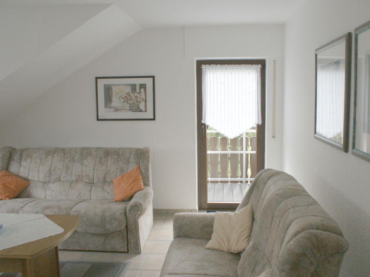 ferienwohnung 2 haus wiesengrund winterberg hochsauerland frau marlies stahlschmidt. Black Bedroom Furniture Sets. Home Design Ideas