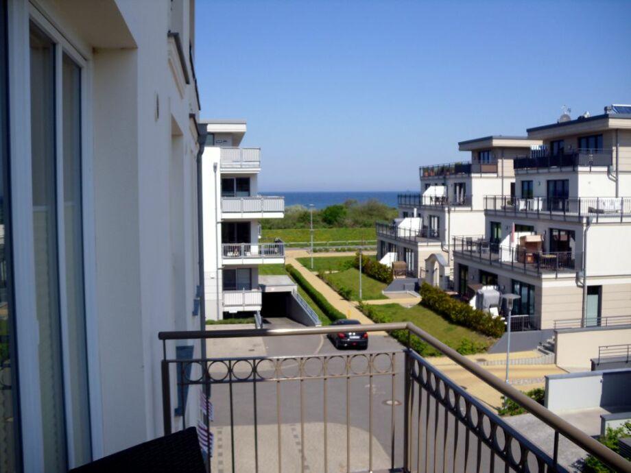 Blick beim Frühstück vom Balkon auf die Ostsee.