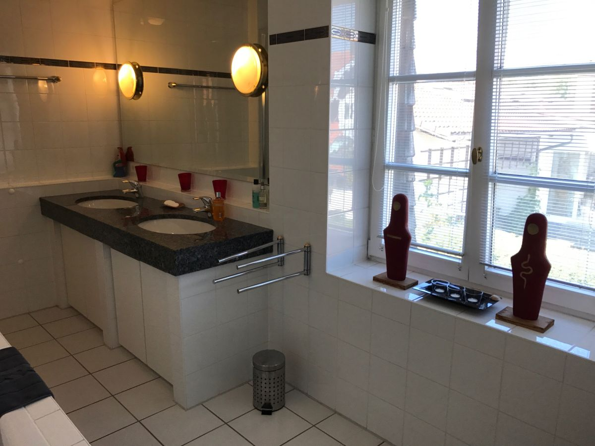 ferienhaus rosa ammersee frau sabine conradt. Black Bedroom Furniture Sets. Home Design Ideas
