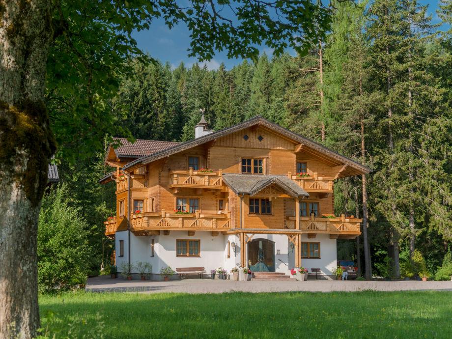 4*Sterne Bio-Holzhaus Heimat aus Tannenholz