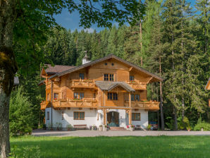 "Holiday apartment in the wood house ""Heimat"""