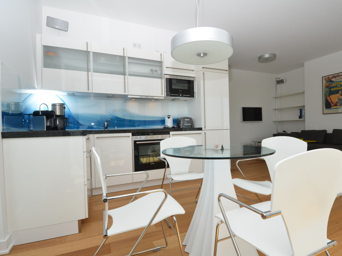 ferienwohnung ocean sun sassnitz firma acquando frau irina verlos. Black Bedroom Furniture Sets. Home Design Ideas