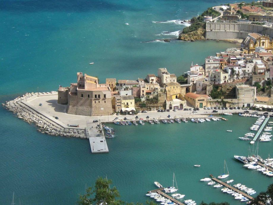 Blick auf die Altstadt von Castellammare del Golfo