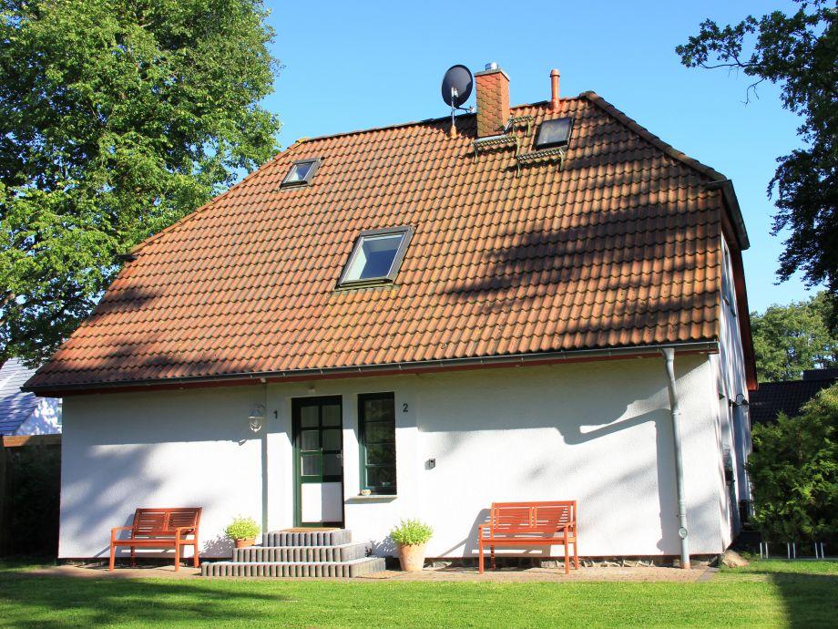 Haus im Grünen - Ansicht vom Garten