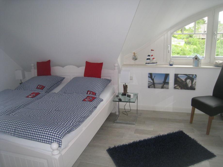 Ferienhaus bella blue fischland darss frau veronika for Schlafzimmer maritim