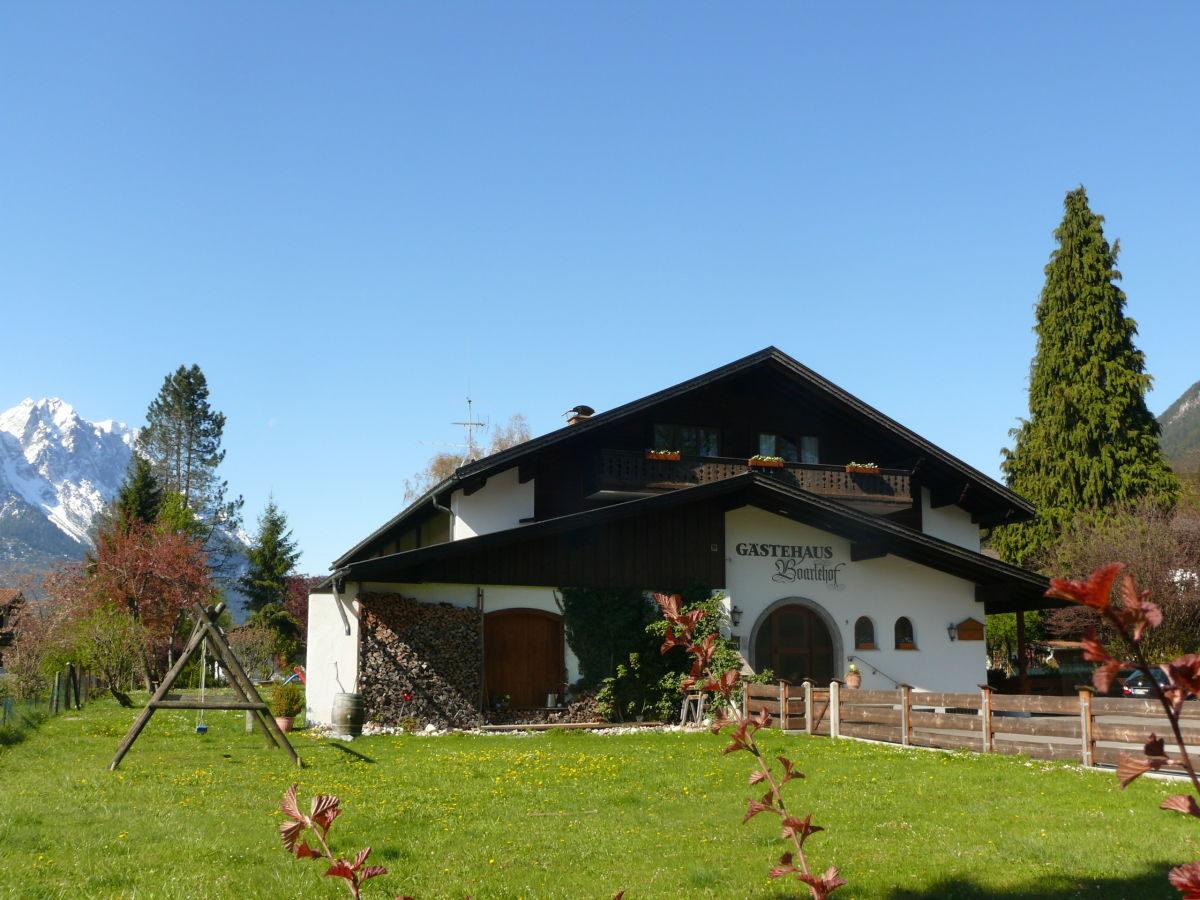 Ferienwohnung 2359 boarlehof garmisch partenkirchen firma fewo boarlehof frau eva br tting - Vorgarten eingangsbereich ...